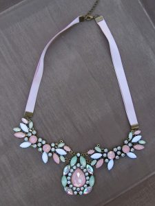 statement necklace, pink necklace, statement, fashion musthaves, webshop, dutch, online shop, jewellery